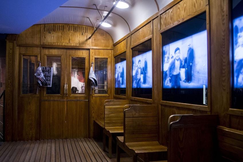 Foto 1 van 6. Oskar Schindler Museum Guided Tour