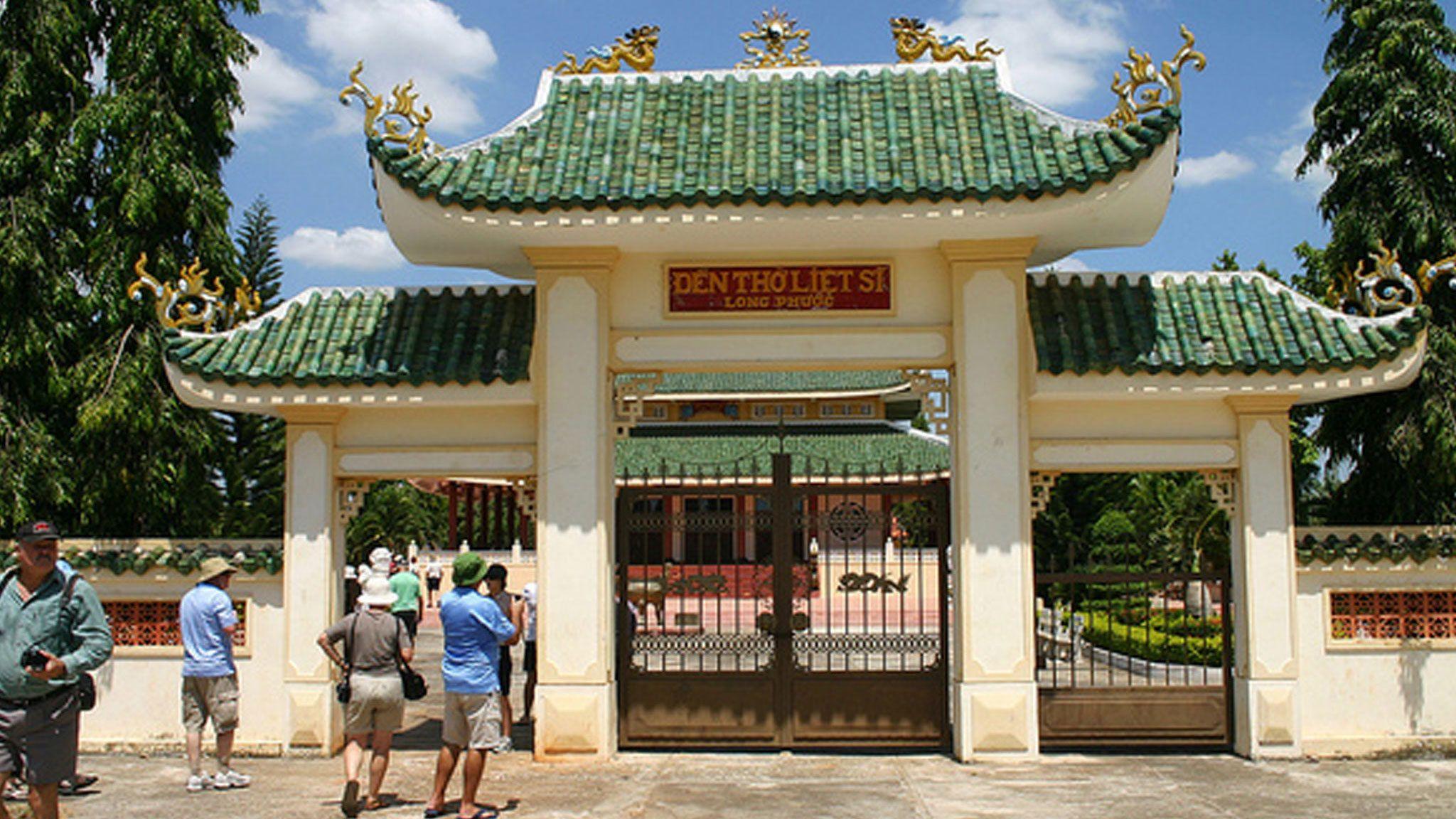 Private Long Tan Nui Dat Battlefield Tour