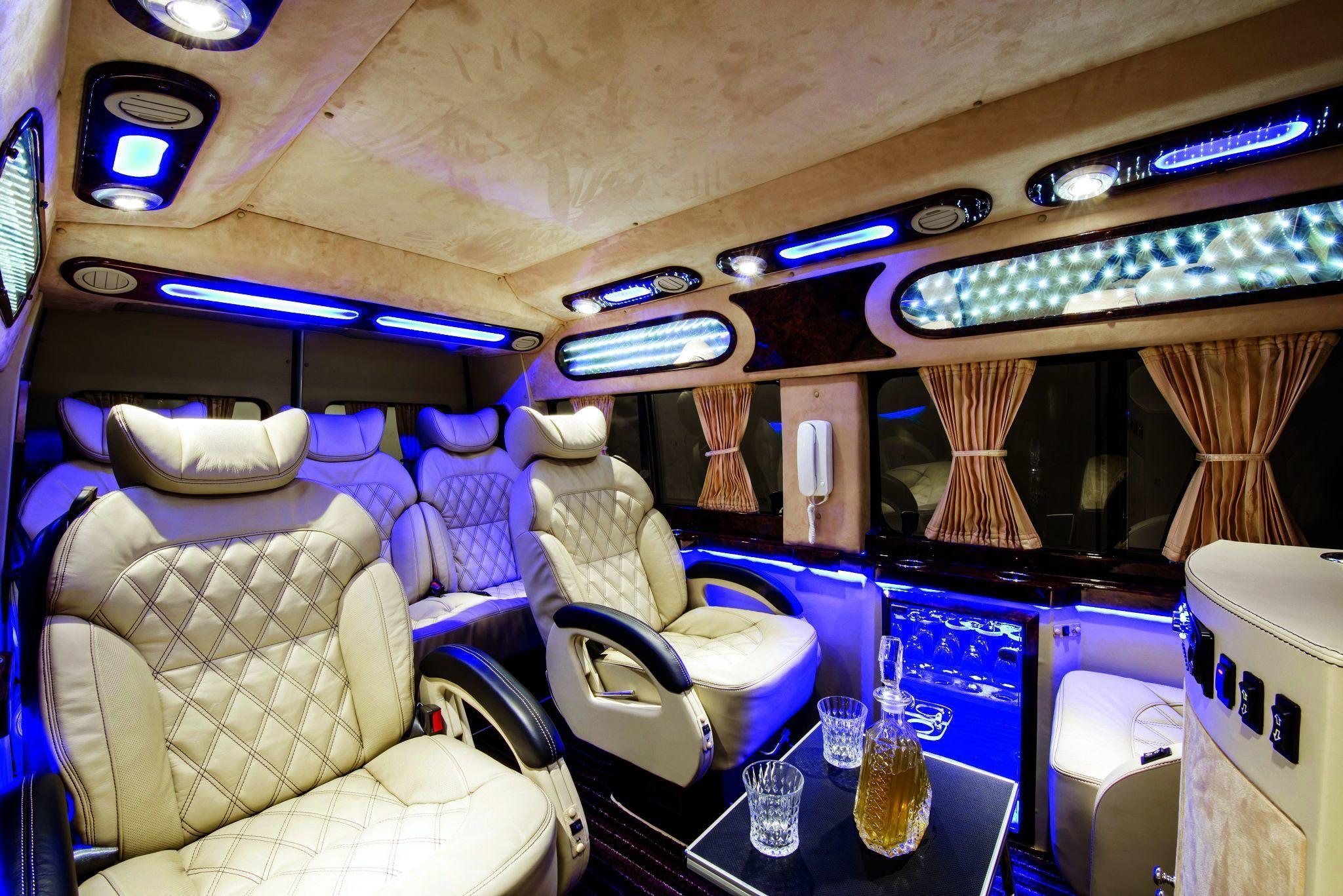 Limousine car.jpg