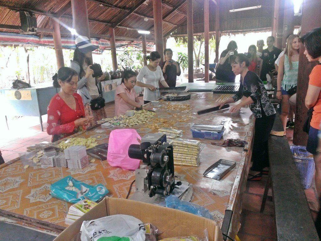 coconut-candy-workshop-my-tho-mekong-delta-southern-vietnam-travel-1024x768.jpg