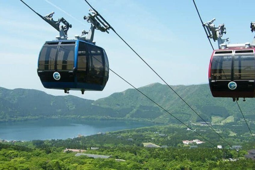 Hakone Full-Day Private Tour with Nationally-Licensed Guide