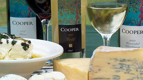 Different wines and cheese at a Hunter Valley cellars winetasting experience in Australia