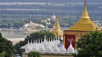 Private Full-Day Tour of Mandalay's Royal Capitals