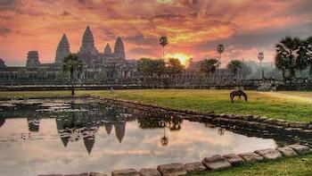 Private Angkor Thom, Bayon, Ta Prohm & Angkor Wat Tour