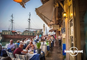 Lonely Planet Experience: Rethymnon Sights & Local Food Tour