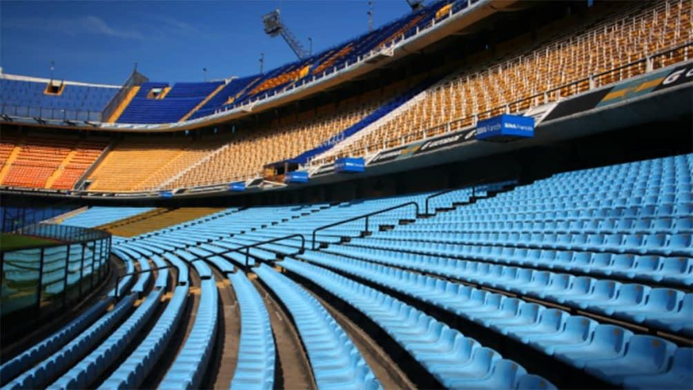Apri foto 4 di 10. Inside La Bombonera Stadium with empty seats