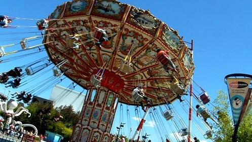 Merry-go-round in Parque de la Costa