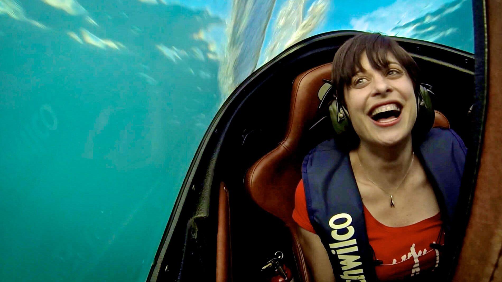 Woman enjoying her Seabreacher® experience in Cancun