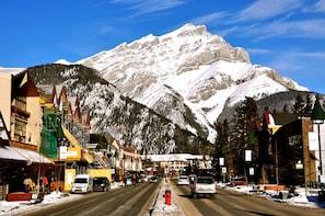 Banff Horseback Ride & Transport from Calgary