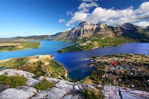 Waterton Lakes National Park 1-Day Small Group Tour