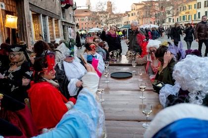 Venice Carnival Pub Crawl in Venetian Style