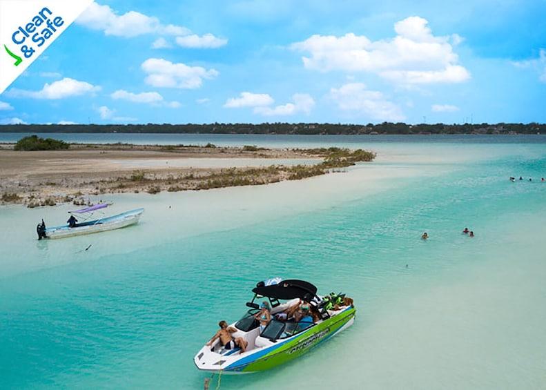 Privado a Bacalar con su laguna de 7 Colores