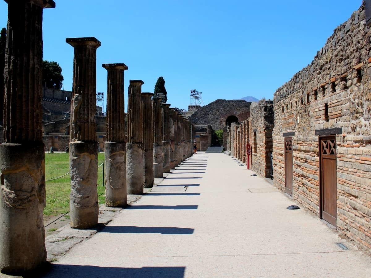 Full-Day Pompeii & Vesuvius Tour from Sorrento