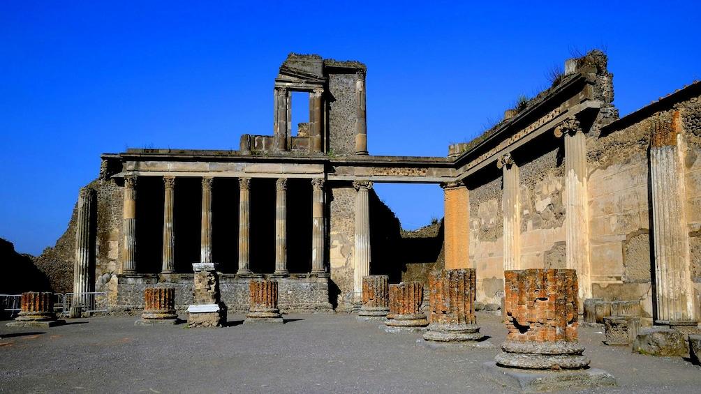 Apri foto 3 di 8. Shrine of the Virgin of the Rosary of Pompeii