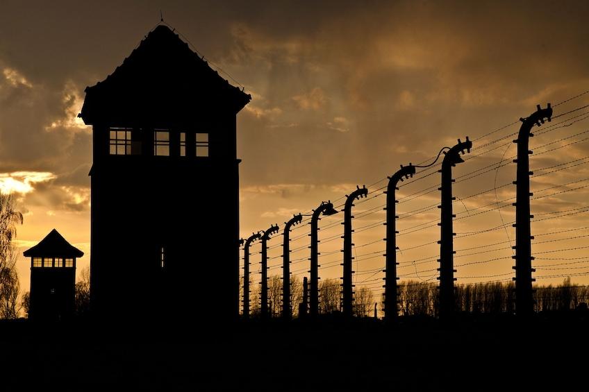 Öppna foto 1 av 6. Guided Tour of Auschwitz-Birkenau Concentration Camp Memorial