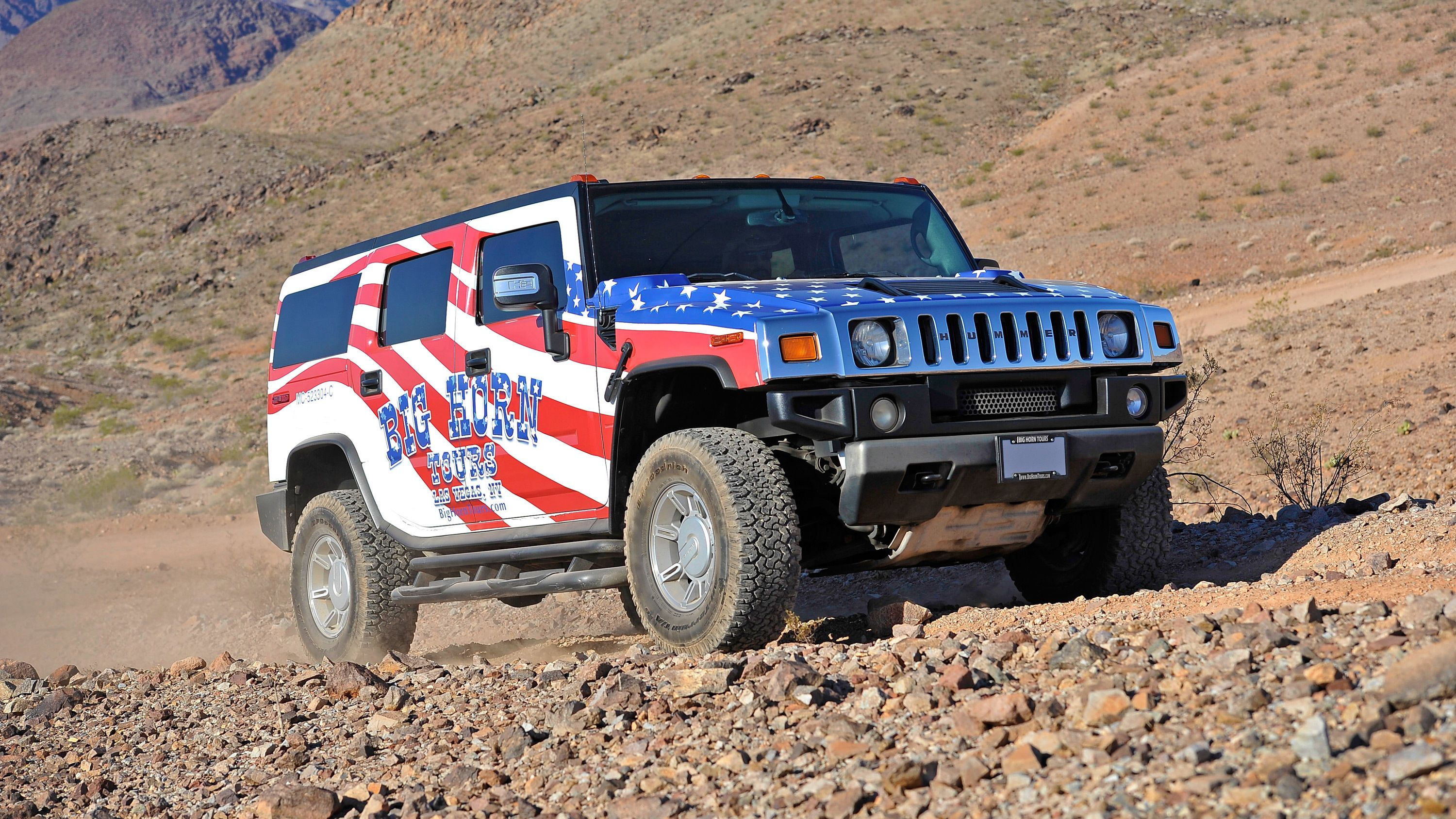 a Hummer covered in patriotic decals in Las Vegas