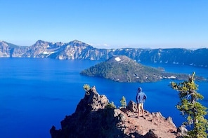 Crater Lake from Seattle Round-trip Bus Tickets
