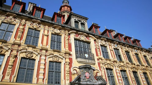 Close view of a side of a building on the Old Lille tour