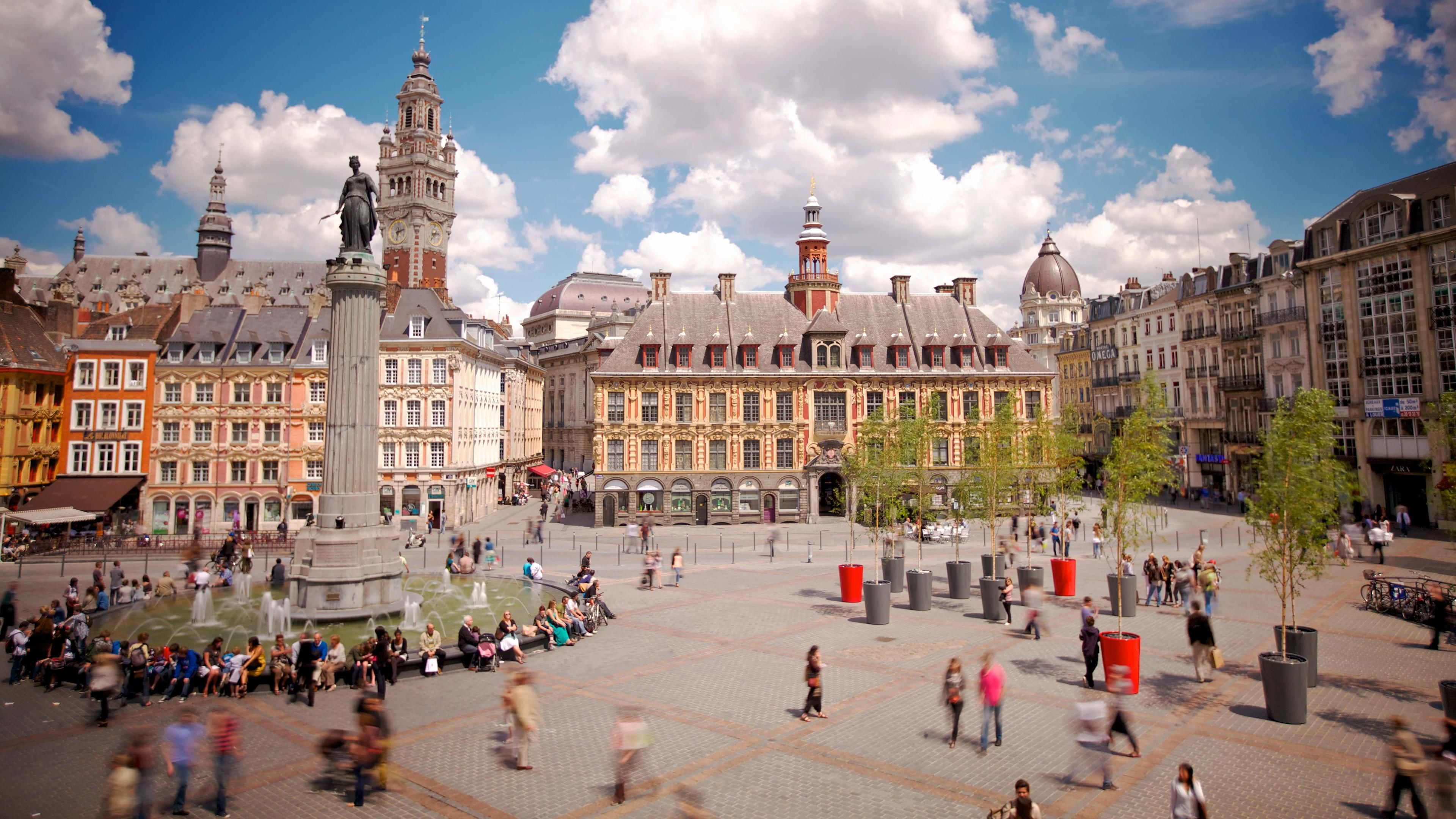 Stunning day view on the tour of Old Lille