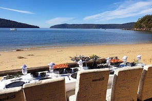 Sydney Oyster Farm Tour and Seafood Lunch on a Secluded Beach