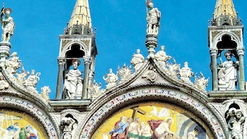 Gondola Ride & Saint Mark's Basilica with Skip-the-Line