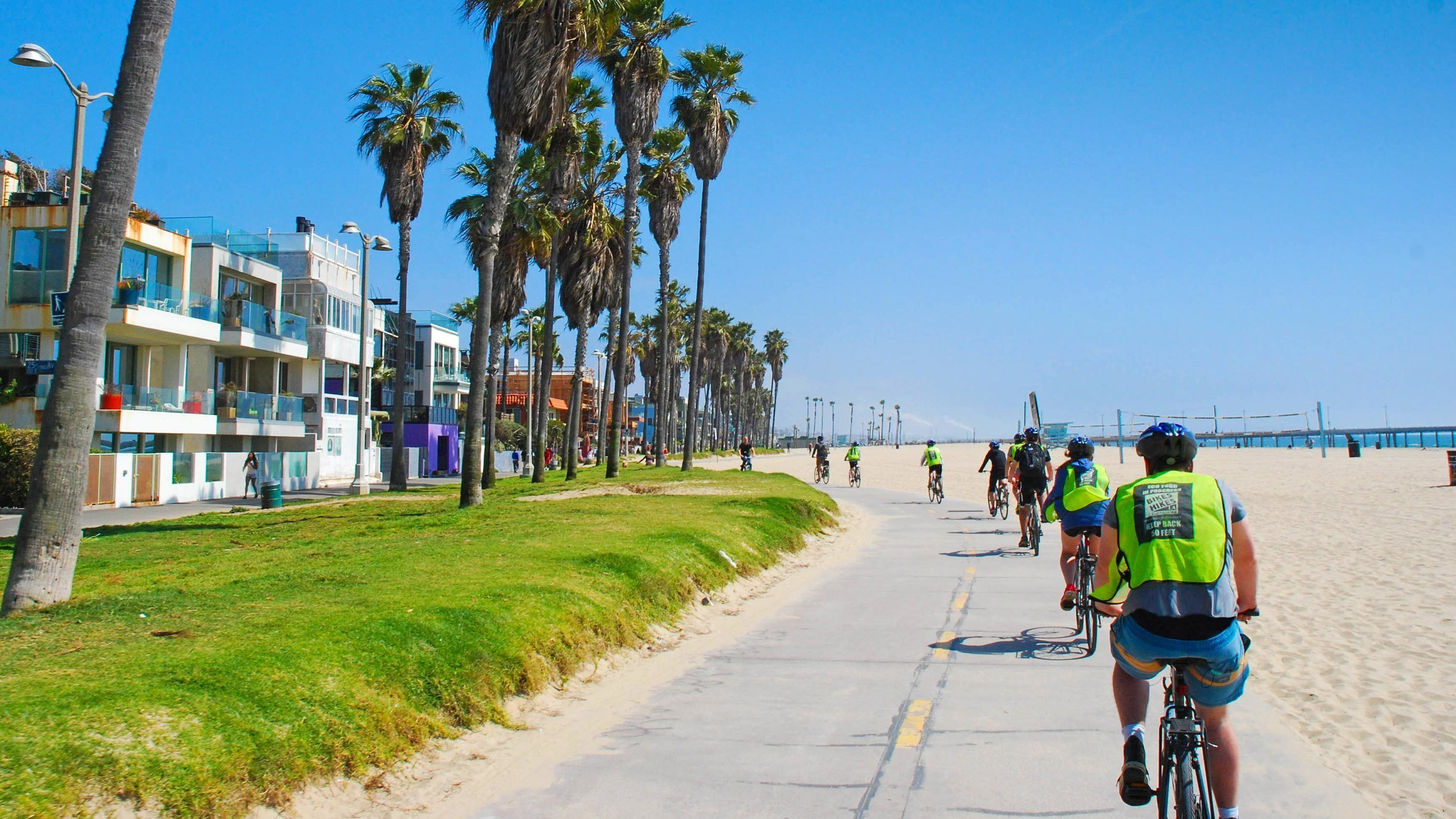 LA in a Day Bicycle Tour with Roundtrip Transfer