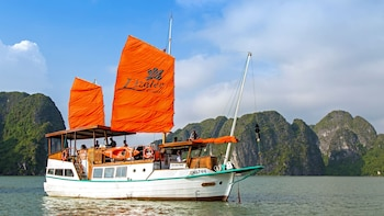 Halong Bay Boat Cruise with Scenic Flight & Lunch