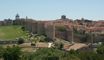 Segovia, Ávila and Toledo Guided Daytrip from Madrid