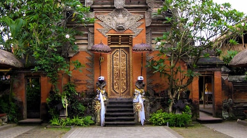 Front outdoor view of Bali temple.