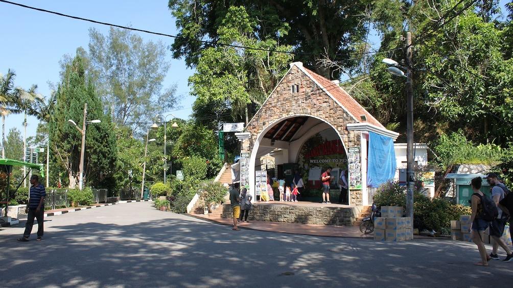 Private Penang Hill & Temple Tour