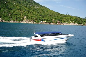 Chumphon to Koh Tao post COVID-19 Transfer by Lomlahk Khirin Speedboat