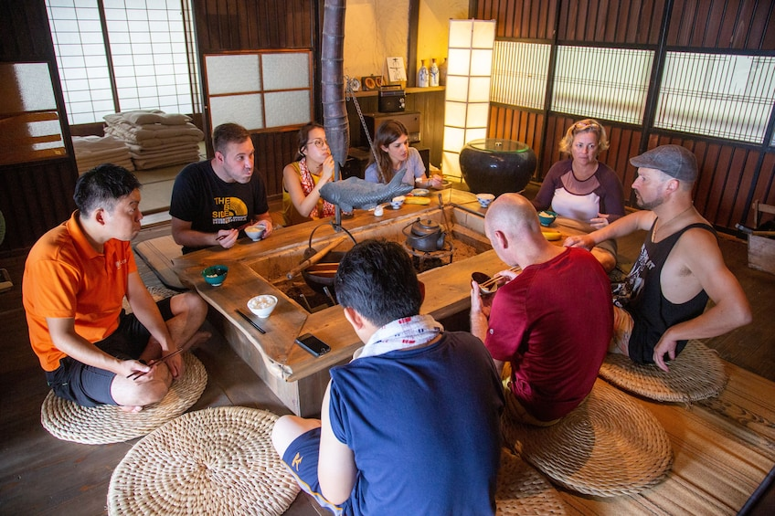 Hiking and Cooking at Japanese Old Folk House in Yuki