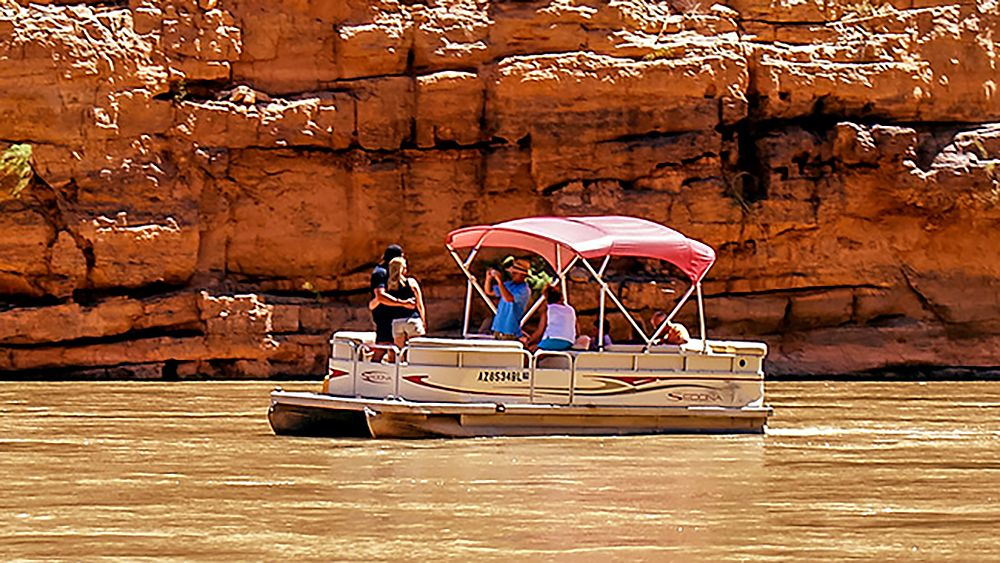 Grand Canyon West Rim Bus Tour with Helicopter & Boat Ride