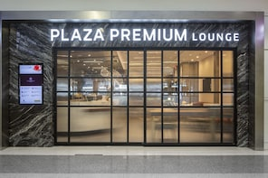 Plaza Premium Lounge Dallas Fort Worth International Airport