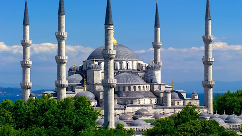 Day view of the Sultan Ahmed Mosque in Istanbul