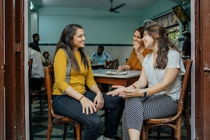 Lonely Planet Experience: Mumbai Food Tour with a Local
