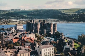 Conwy Self Guide