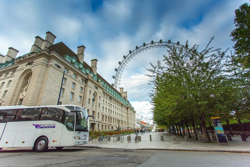 Show item 4 of 10. Best of London Tour with London Eye & Thames Cruise