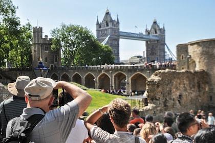 London-Crown-Jewels-t1303-001_preview.jpeg