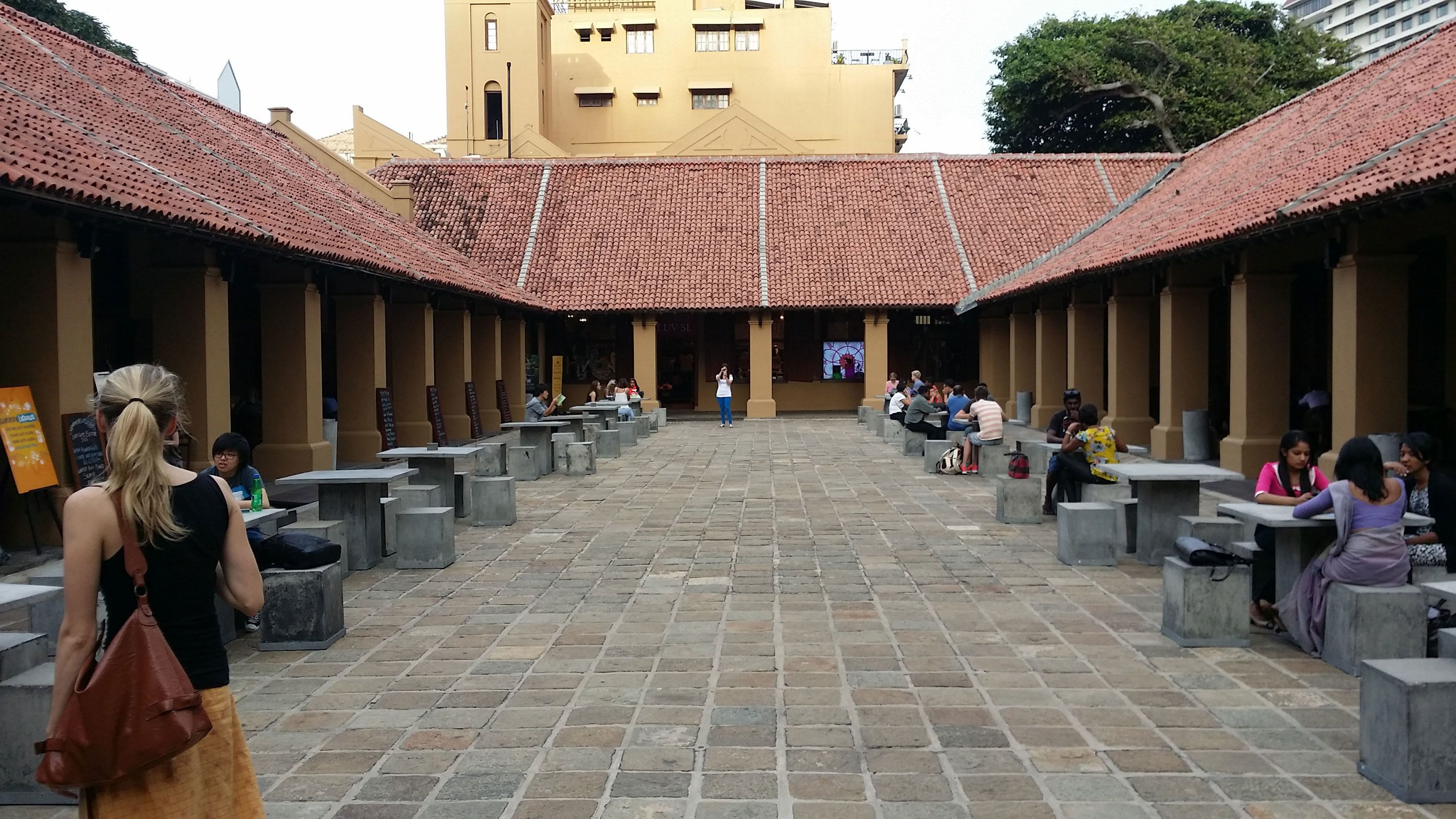 Courtyard and tables at the Old Dutch Hospital in Colombo