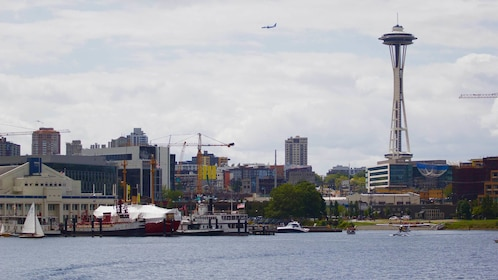 Panoramic view of downtown Seattle from Lake Union