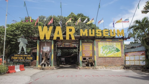 Private War Museum & Colonial Museum Tour