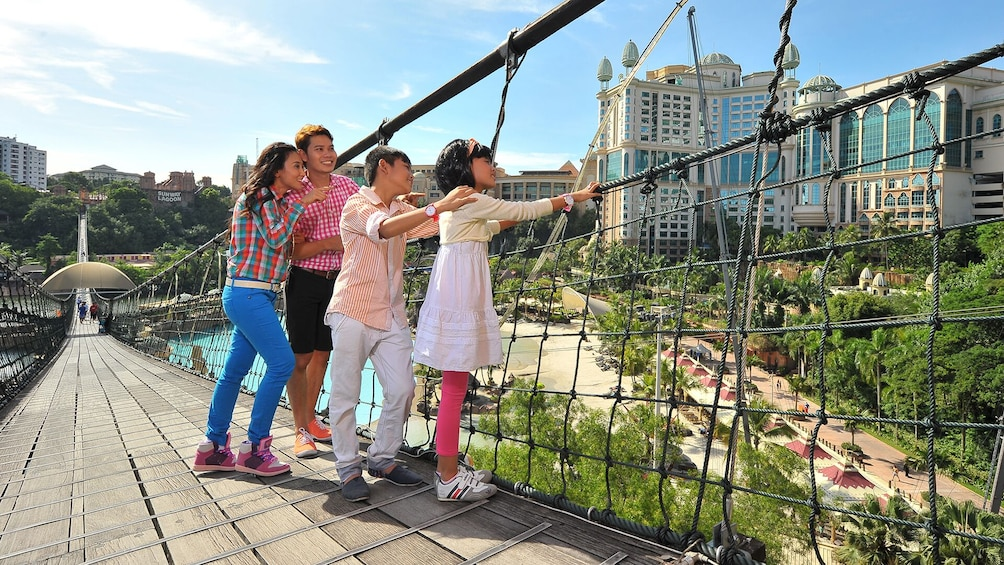 Private Sunway Lagoon Theme Park with Transfer