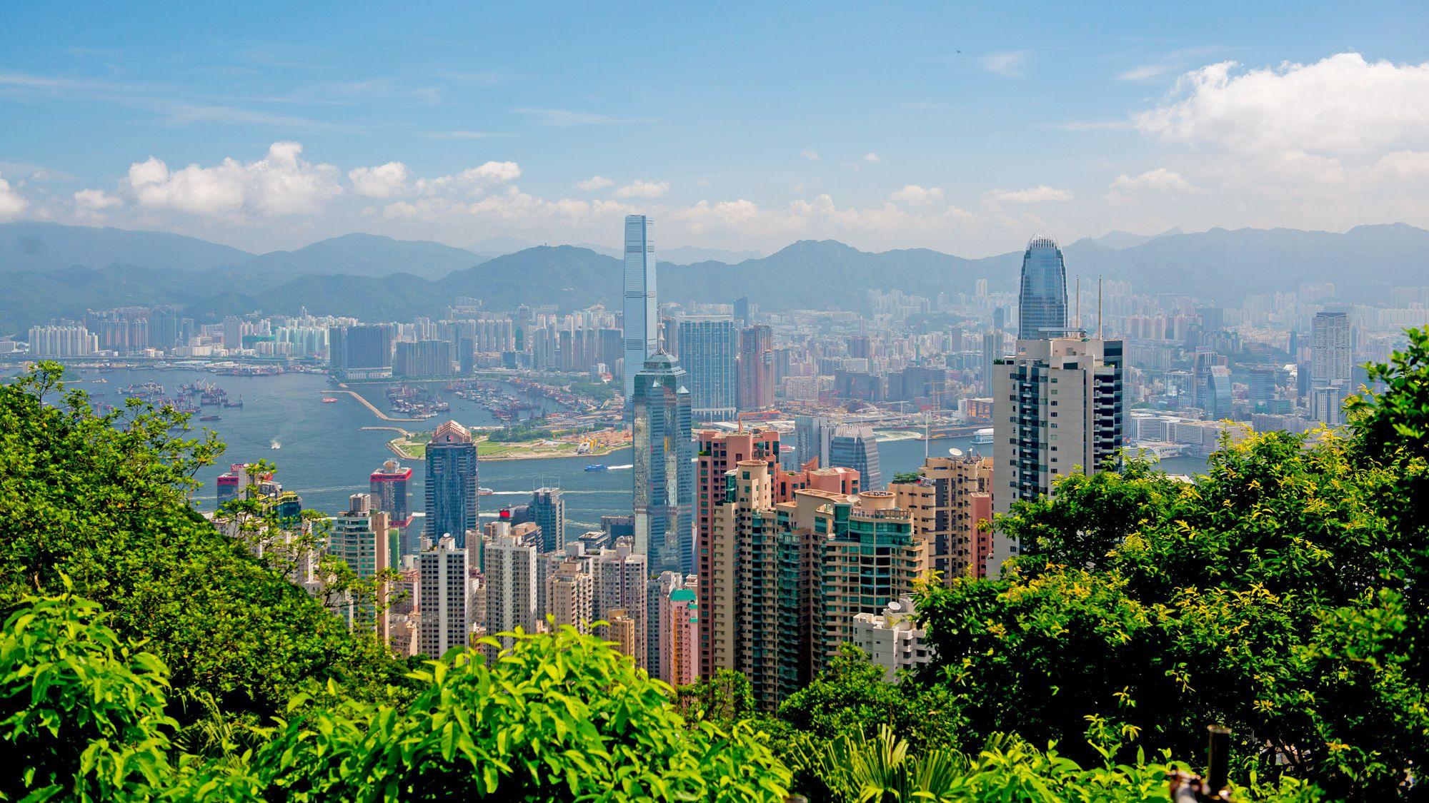 Skip-the-Line The Peak Tram & Hong Kong Morning Island Tour