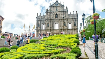 4-Day Hong Kong & Macau Island Adventure