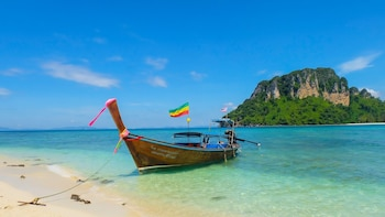 Longtail Boat Private Charter Tour to Krabi 4 Islands