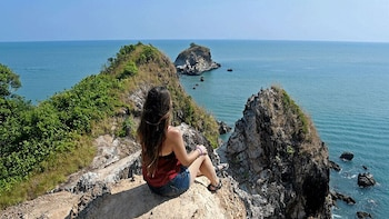 Lanta Old Town and Mangrove Forest Sightseeing Tour