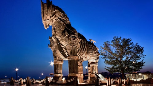 a trojan horse sculpture at night in Istanbul