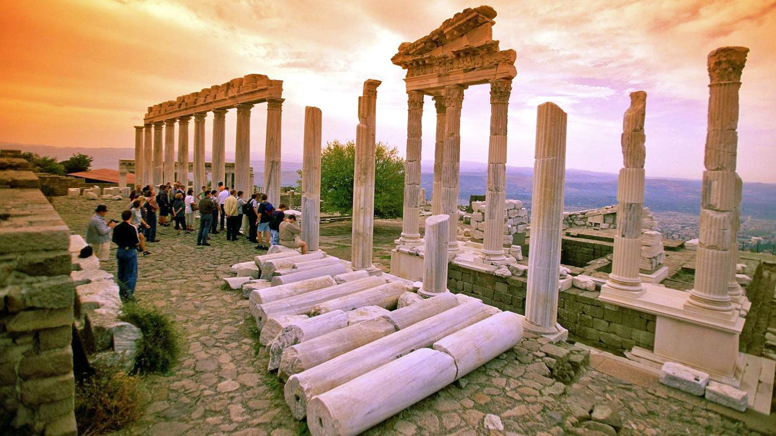 3-Day Ephesus, Pergamum & Pamukkale Tour by Bus
