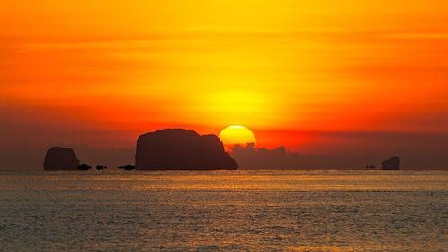 James Bond & Phang Nga Bay Sunset Romantic Trip From Phuket